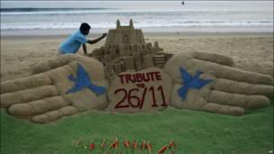 सुदर्शन पटनायक ने मुंबई हमलों की याद ये कलाकृति बनाई