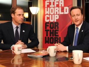 ومن اعضاء الوفد ايضا رئيس الوزراء البريطاني ديفيد كاميرون والامير ويليام