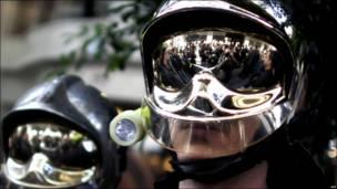 Демонстрация греческих пожарных