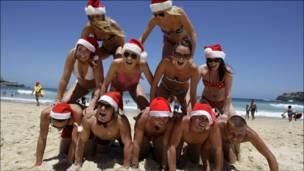 سائحون انجليز هربوا من البرد للاحتفال بالكريسماس في استراليا