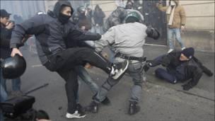 عنف في شوارع العاصمة الايطالية