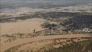 Город Рокхэмптон под водой