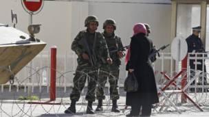 حاجز عسكري في تونس