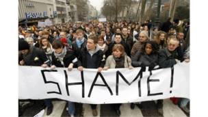 """بلجيكيون يشاركون في مهرجان """"العار"""" للمطالبة بتشكيل حكومة جديدة للبلاد"""
