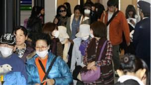 يابانيون يصلون إلى بلادهم قادمين من مصر