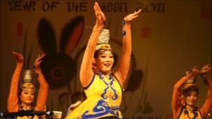 中国解放军总政歌舞团也参加了今年特拉法加广场的新春表演。