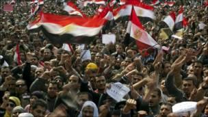 بالصور: احتجاجات مصر تدخل اسبوعها الثالث