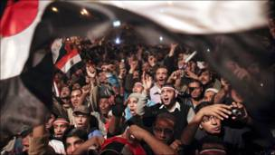 بالصور: مصر تحتفل برحيل مبارك