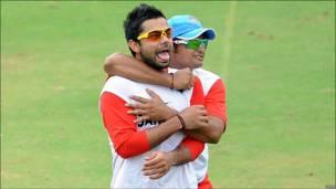 विराट कोहली के साथ सुरेश रैना