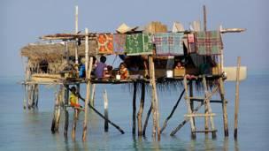 Жилище морских цыган около острова Калимантан