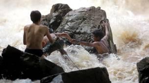 Рыбаки на реке Меконг