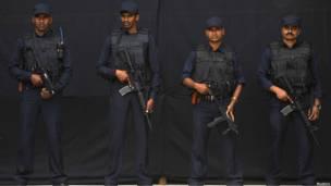Четыре бойца полицейского спецназа в Индии