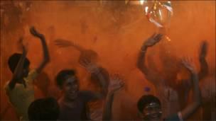 भारत की जीत की ख़ुशी