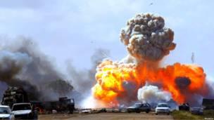 Во время авиаудара сил коалиции по войскам Каддафи