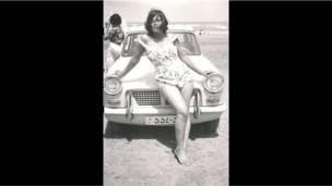 Una joven de 17 años en las playas del Mar Caspio