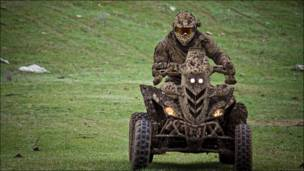 Мотоцикл в грязи