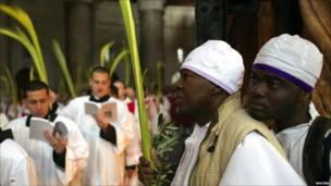 احتفال في كنيسة بالبلدة القديمة