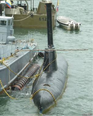 Submarino narco anclado en la base naval colombiana de Bahía Málaga