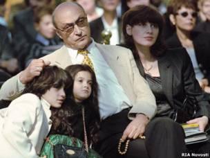 Михаил Козаков с женой и детьми