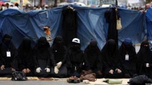 Женщины в чадрах