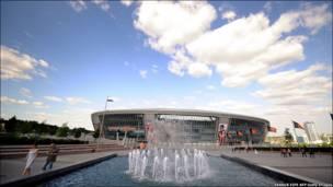 """Донецький стадіон """"Донбас - Арена"""" готовий до футбольного чемпіонату, йому хоч завтра зустрічати фанатів."""