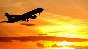Тепер час пакувати речі, і поспішати в аеропорт назустріч пригодам і новим відкриттям. Зокрема так, як це вже зробили пасажири  літака, що піднявся в небо з аеропорту Ньюкаслу.