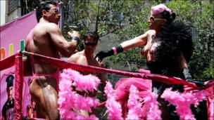 гей-парада в Тель-Авиве