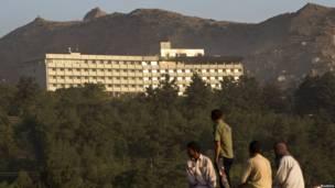hotel mewah di kabul diserang