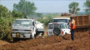 د جنوبي سودان اوسېدونکي د اقتصادي پراختیا او پرمختګ انتظار کوي .