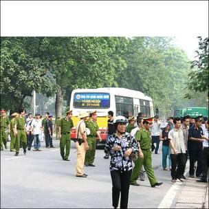 Biểu tình chống TQ 17/7/2011 (Blog: Nguyễn Xuân Diện)
