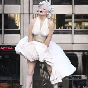 मर्लिन मुनरो की मूर्ति