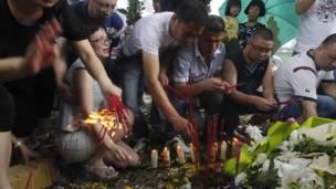 Поминки жертв катастрофы в Китае