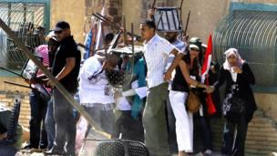 Сторонники Хосни Мубарака