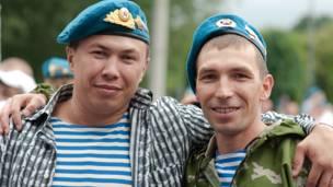 Два десантника
