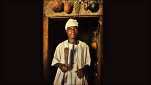 """Виставка чотирьох сучасних африканських художників під назвою """"Contested Terrains"""" (""""Спірні території"""") щойно відкрилася у лондонській галереї Tate Modern."""