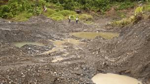Место нелегальной добычи золота в Колумбии