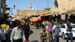 حركة الناس في سوق دير الزور