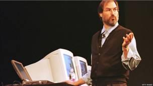 Jobs quay trở lại hãng Apple vào năm 1997