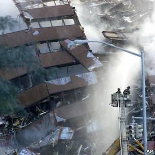 Destroços do edifício 7 do World Trade Center
