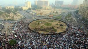 مصر: د ازادۍ په میدان کې د اختر لمونځ.