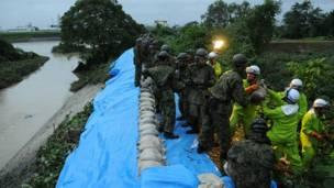 د جاپان دفاعي ځواکونو له ریګه د ډکو شوو بوجیو د ځای پرځای کولو او په شونای نهر کې د اوبو د مخنیوي په برخه کې همکاري وکړه.