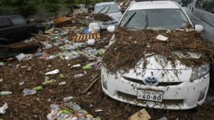 دې توپانونو د روان کال د څونامي  څپې او زلزله خلکو ته ورپه زړه کړه، چې شاوخوا ۲۰۰ زره کسان یې د جاپان په بېلابېلو برخو کې ووژل.