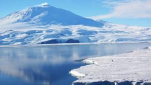 Vulcão Erebus, na Antártida/©Steve and Donna O'Meara/ VolcanoHeaven.tumblr.com