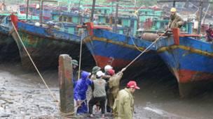 Người dân Thái Bình chống bão