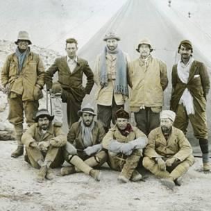 Участники одной из первых экспедиций к Эвересту