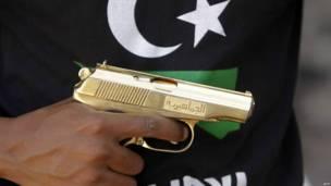 Золотой пистолет Каддафи