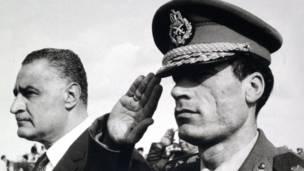 Gadafi con Nasser