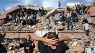 Mummunar girgizar kasa a Turkiyya