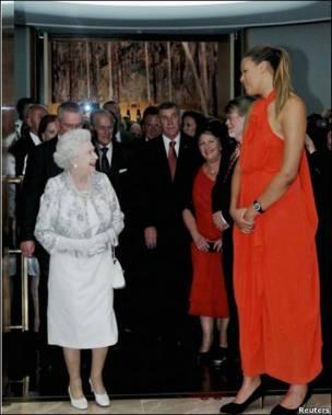 女王和篮球运动员