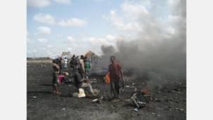 حرق مخلفات في غانا